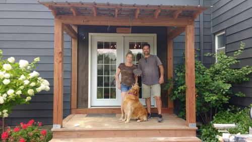2021-Porch-Plus-Dog-CH