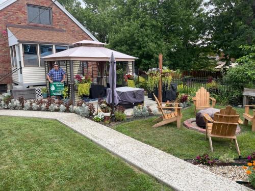2021 TIE: Best Back Yard Lawn and Garden Winner Adam Sears